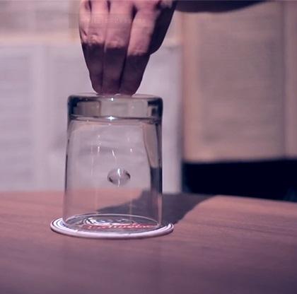 ローラーコースター(コインがガラスのコップを貫通)