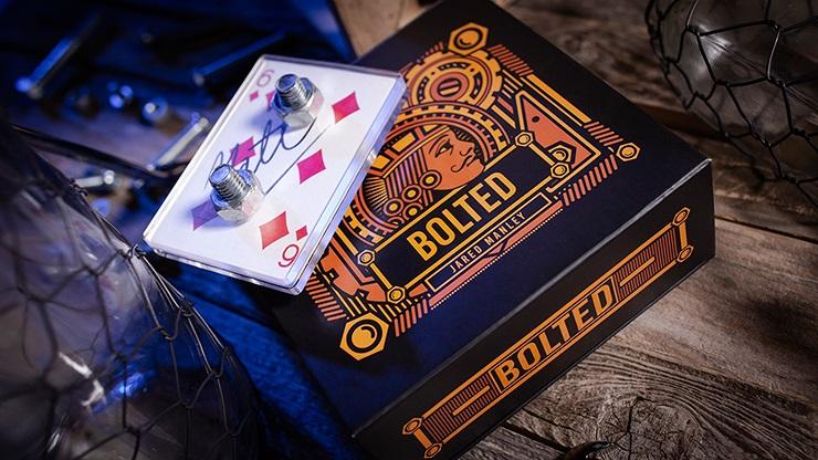 ボルテッド(ボルトがサインカードを貫通)