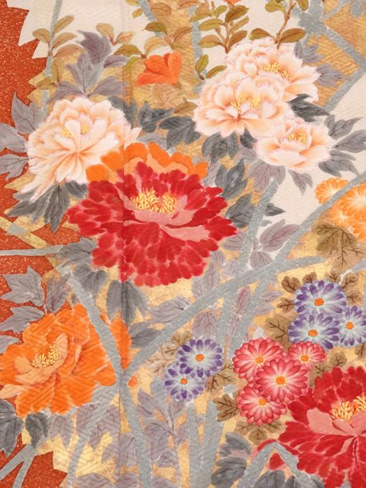 振袖 中古品お仕立て上がり正絹 朱赤たたき染め 牡丹・菊の柄 No3501387