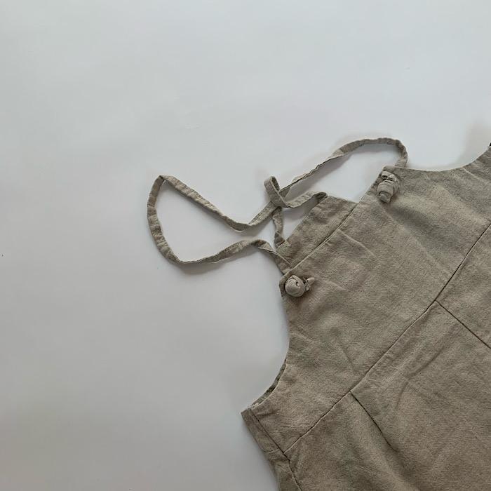 string salopette