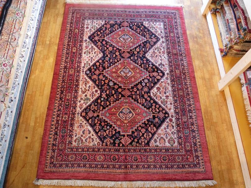 リビングサイズ(M) シラーズ産ペルシャ絨毯