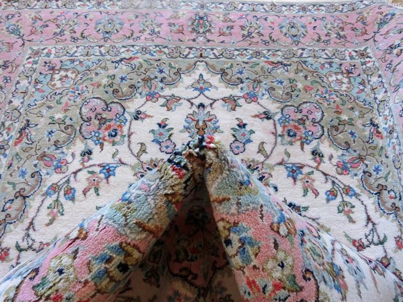リビングサイズ(M) ヤズド産ペルシャ絨毯