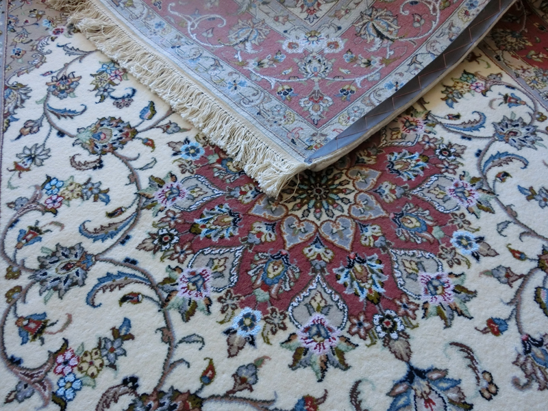 リビングサイズ(M) カーシャン産ペルシャ絨毯