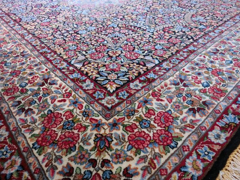 リビングサイズ(M) ケルマン産ペルシャ絨毯