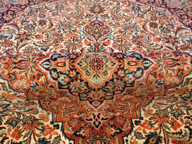 リビングサイズ(L) ケルマン産ペルシャ絨毯