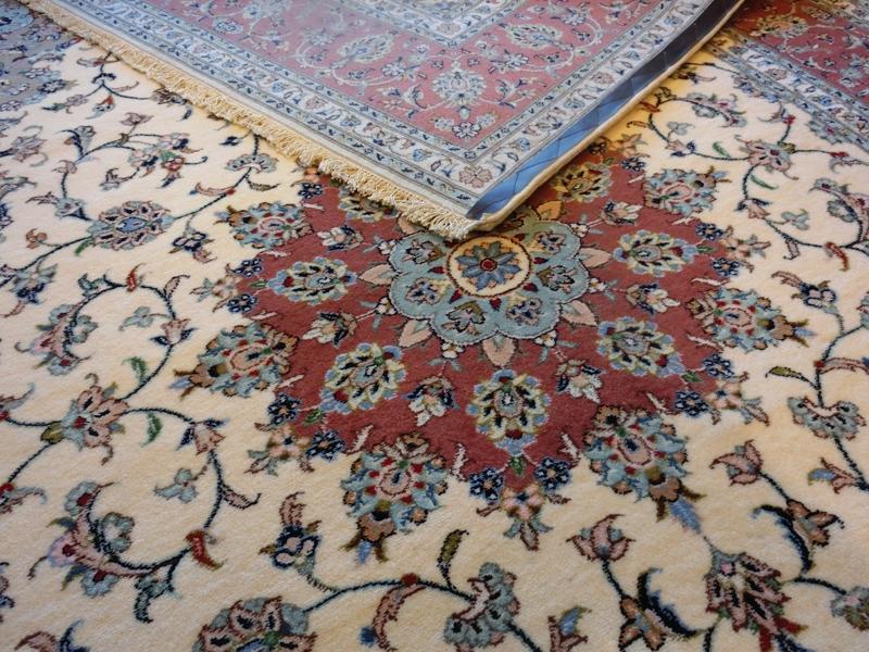 リビングサイズ(L) カーシャン産ペルシャ絨毯
