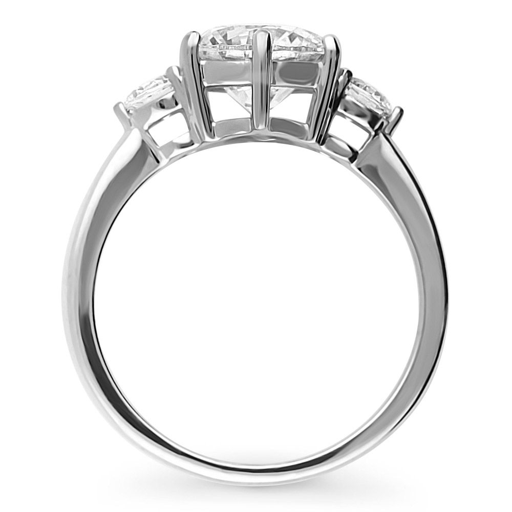 Ideal Brilliance Cut 2.38カラット スリーストーン リング 指輪