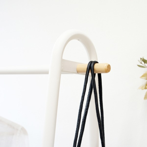 シンプル ハンガーラック/コートハンガー 【棚付き A型】 幅91.5cm ワイドタイプ スチール×木製 ホワイト アジャスター付き