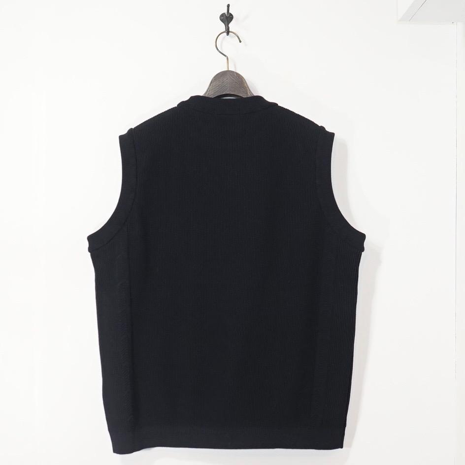 YASHIKI(ヤシキ)   Wakakusa Knit Vest(ワカクサニットベスト) - BLACK