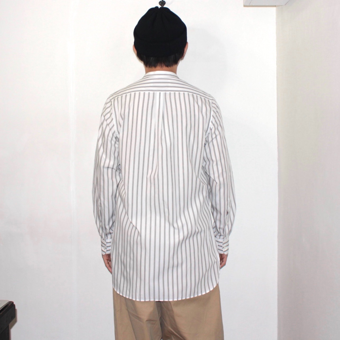 STUDIO NICHOLSON(スタジオニコルソン) | STAND COLLAR PATCH POKET SHIRT(カブリラシャツ) -KHAKI STRIPE