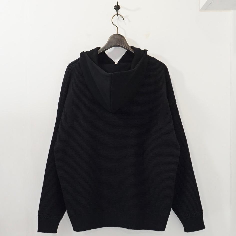 YASHIKI(ヤシキ) | Tasogare Highneck Hoodie (タソガレハイネックフーディ) - BLACK