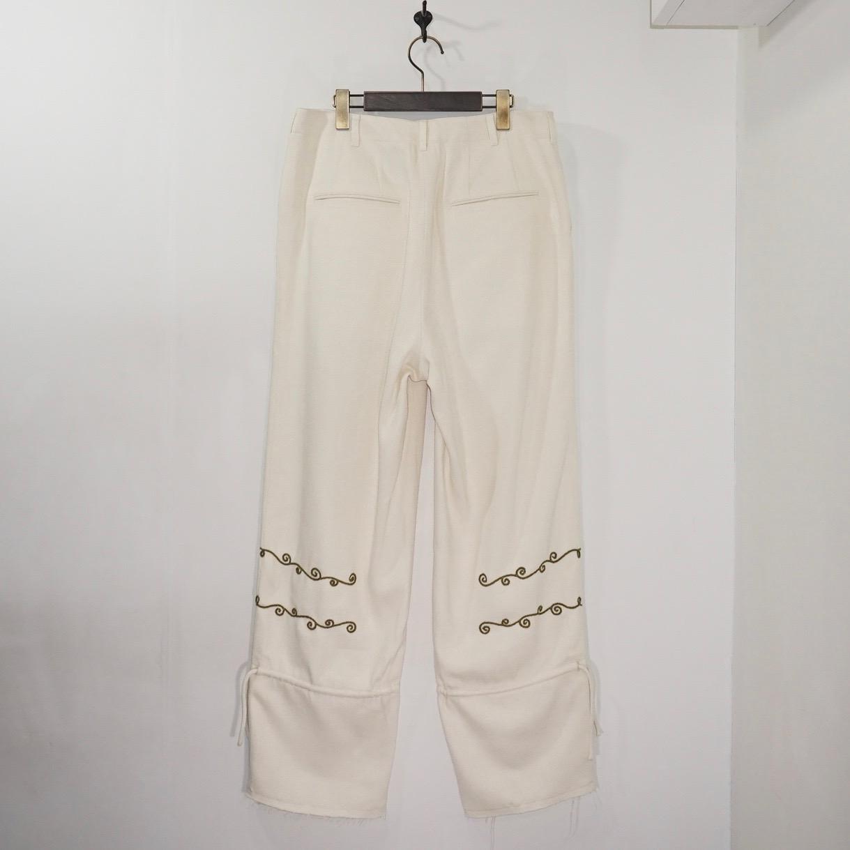 NANUA (ナヌーア) | thai scroll pattern silk nail ankle tied pants (タイ スクロールパターン シルクノイルアンクルタイドパンツ) - green