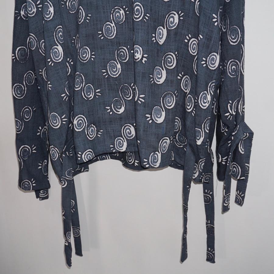 NANUA (ナヌーア) | circle pattern smock parka (サークルパターン スモックパーカー) - HAND STAMP NAVY BATIK