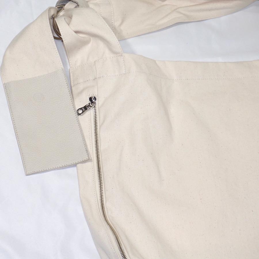 yorozu (ヨロズ)   sash shoulder (タスキショルダー) - WHITE
