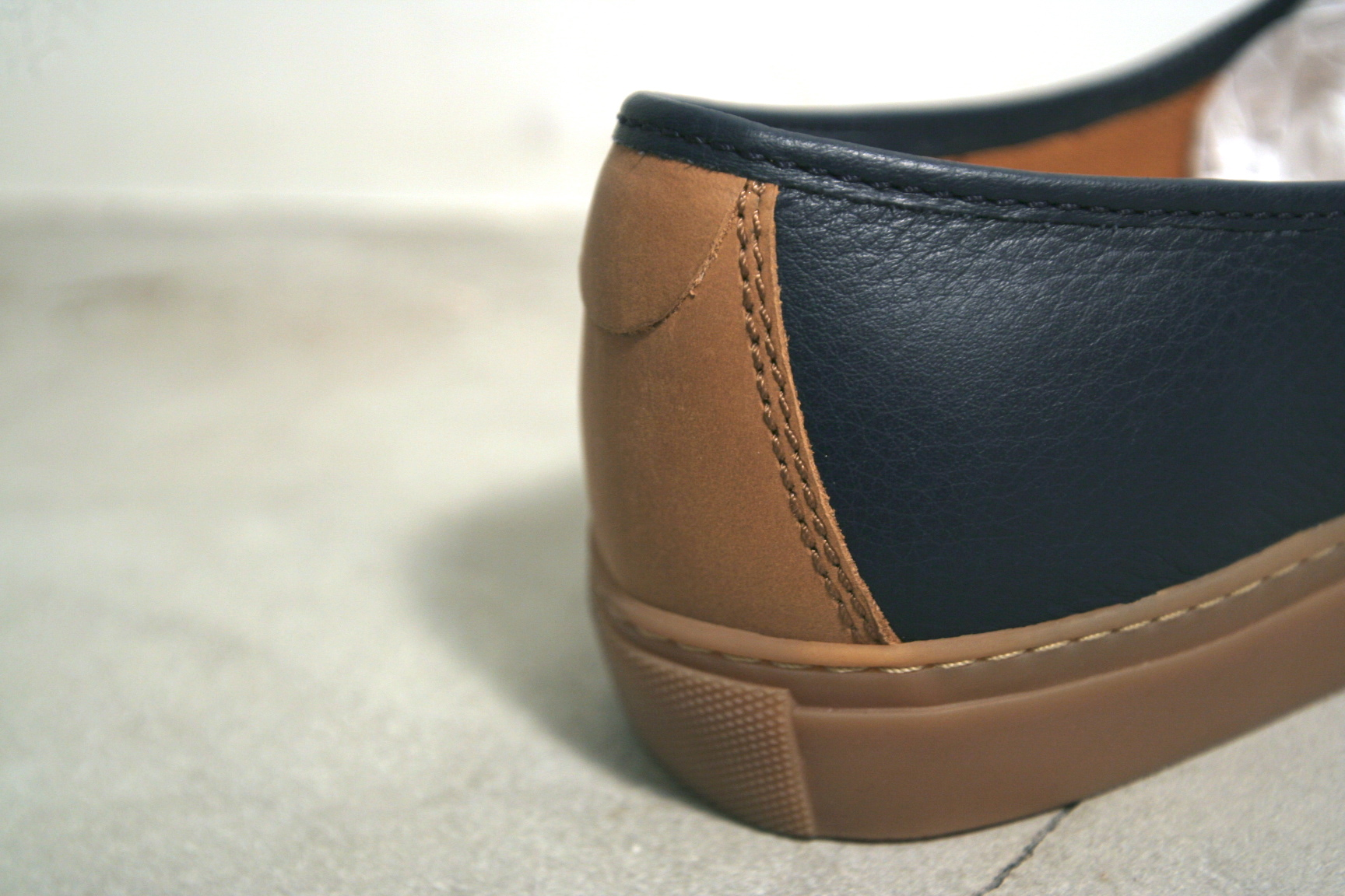"""TRACEY NEULS × LINKS(トレーシーニュールズ) """"NIELS Leather Slip-on With Rubber Sole(ニールズ-レザスリッポンラバーソール)"""""""