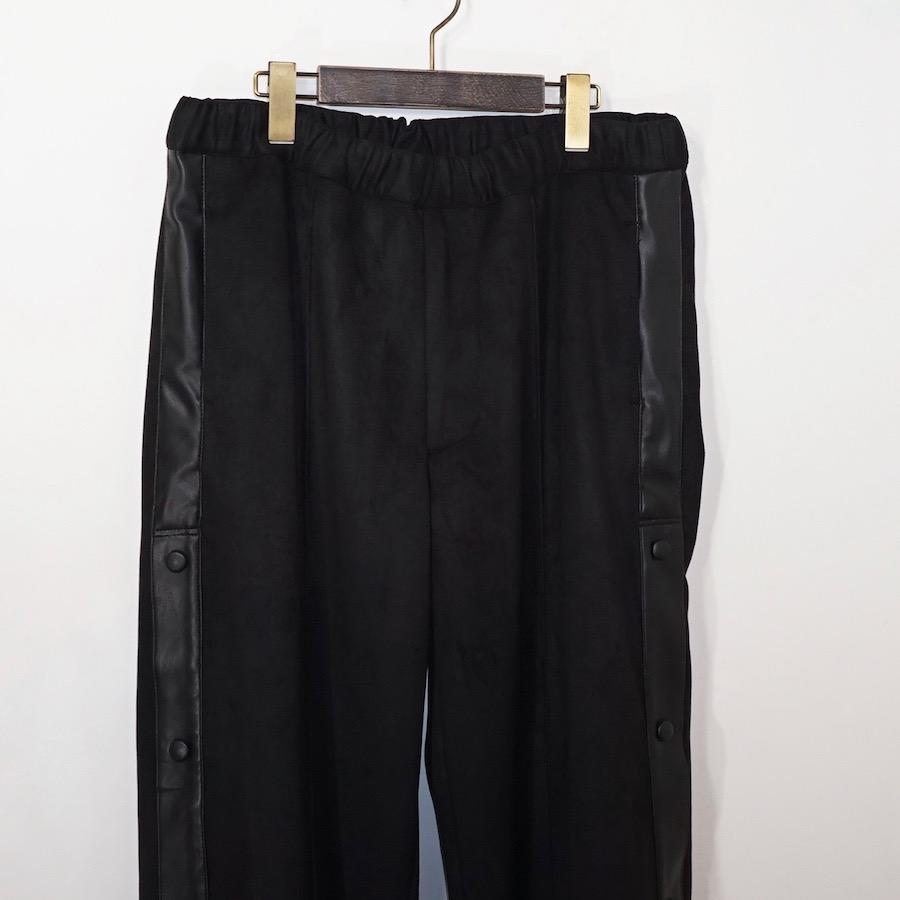 Sasquatchfabrix.(サスクワァッチファブリックス) | FAKE SUEDE TRAINING PANTS (フェイクスェードトレーニングパンツ) - BLACK
