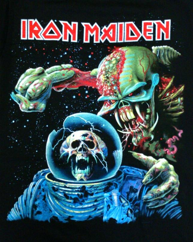 【在庫有り商品】IRON MAIDEN -アイアン・メイデン- THE FINAL FRONTIER 「ファイナル・フロンティア」 Tシャツ Mサイズ