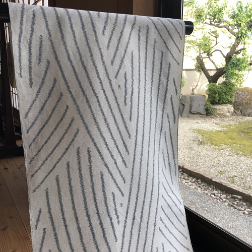 krm-06[木綿の着物][久留米絣]久留米かすり手織り 綿麻 白・藍染 (仕立て代込み)