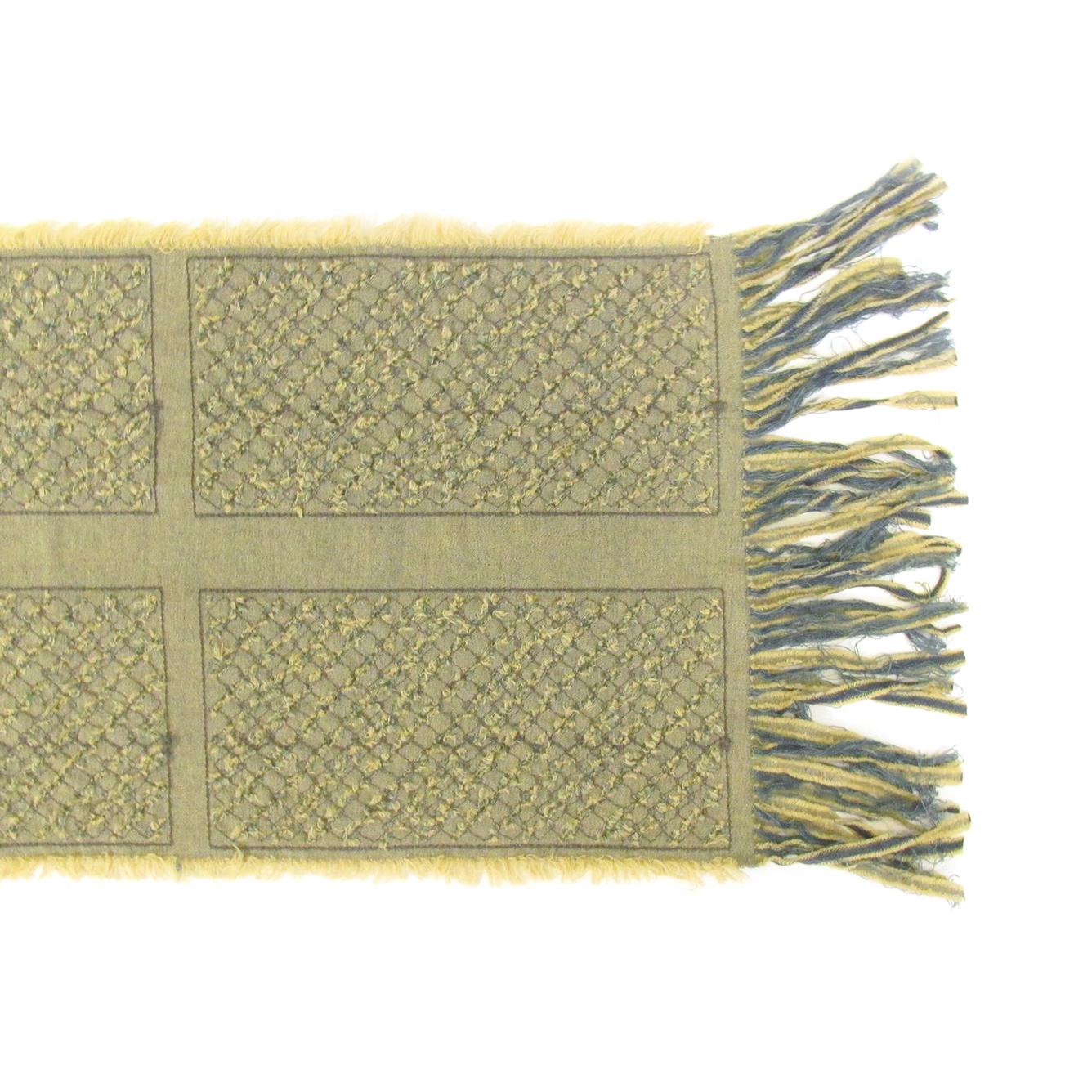《ビージュエルド》ストール(日本製) デニムカットに刺繍【イエロー】