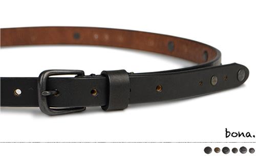【日本製 ベルト メンズ 送料無料】枠に縛られない大人のモードスタイル『bona ボーナ』。しっとりした手触りのオイルレザーに、真鍮製のカシメをアンティークにデザイン。すっきり細みの2cm幅で、ウエストにブラックのアクセントを。
