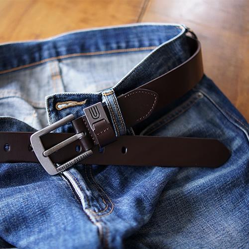 ベルト メンズ レディース カジュアル UNIVERSAL OVERALL ユニバーサルオーバーオール 本革 牛革 しっかり一枚革 いぶし銀に黒の刻印が渋い 幅3.5cm