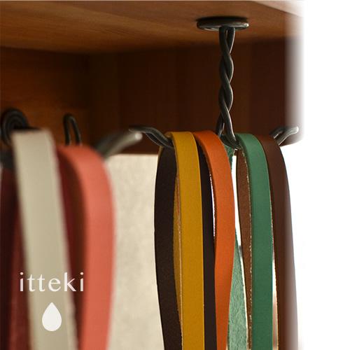 【ネックストラップ レディース 革小物 日本製】『 itteki いってき 』12色の姫路レザー、パスケースやIDホルダーに便利なリール付き、職人さんが手作りで仕上げた本革ストラップ 女性用 LADY'S ギフトにも