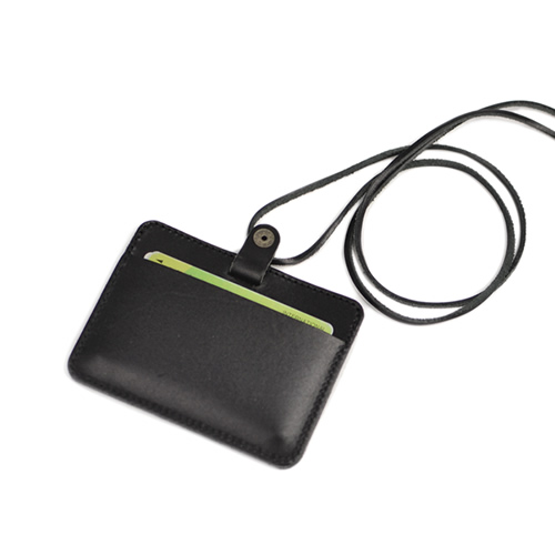 パスケース IDカードホルダー カードケース 栃木レザー 本革 日本製 社員証入れ 定期入れ  首から提げたり カバンから提げたりIDカードホルダーとして ストラップを外してパスケースとしても使える 7色 pot ポット