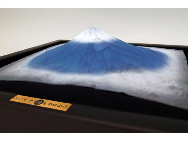 平成富嶽三十六景 第一景 富士山(黒額装モデル)