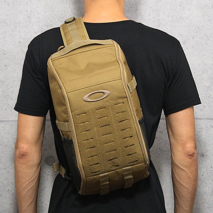 OAKLEY 921554 エクストラクター スリングバッグ2.0<br>【オークリー extractor sling bag】ミリタリー カジュアル サバイバルゲーム サバゲ アウトドア ボディバッグ