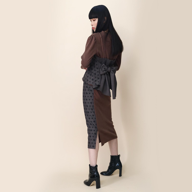 Check on EVA Monogram Skirt (BROWN)
