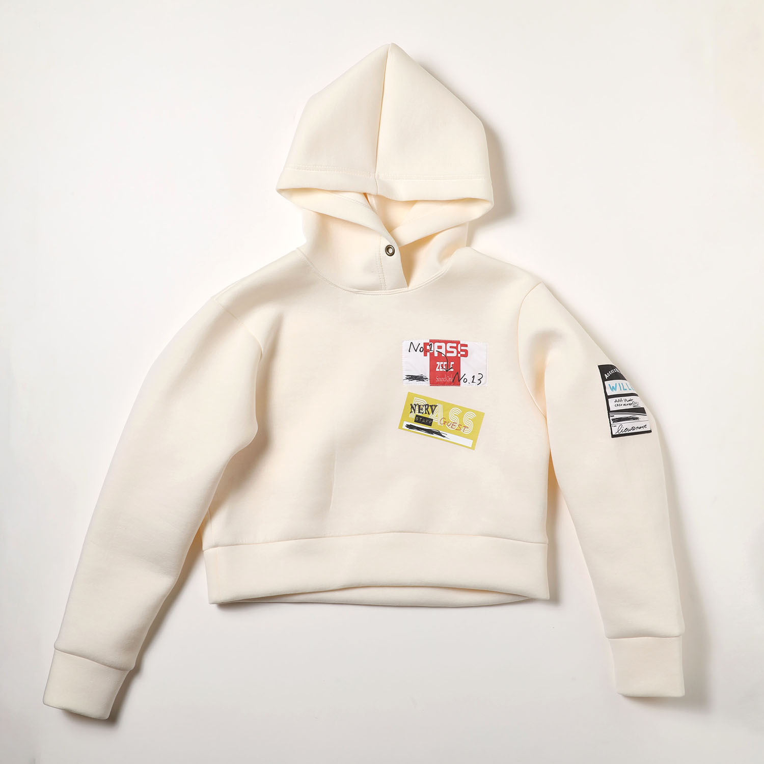 Back Stage Pass Cropped Hoodie (アイボリー)