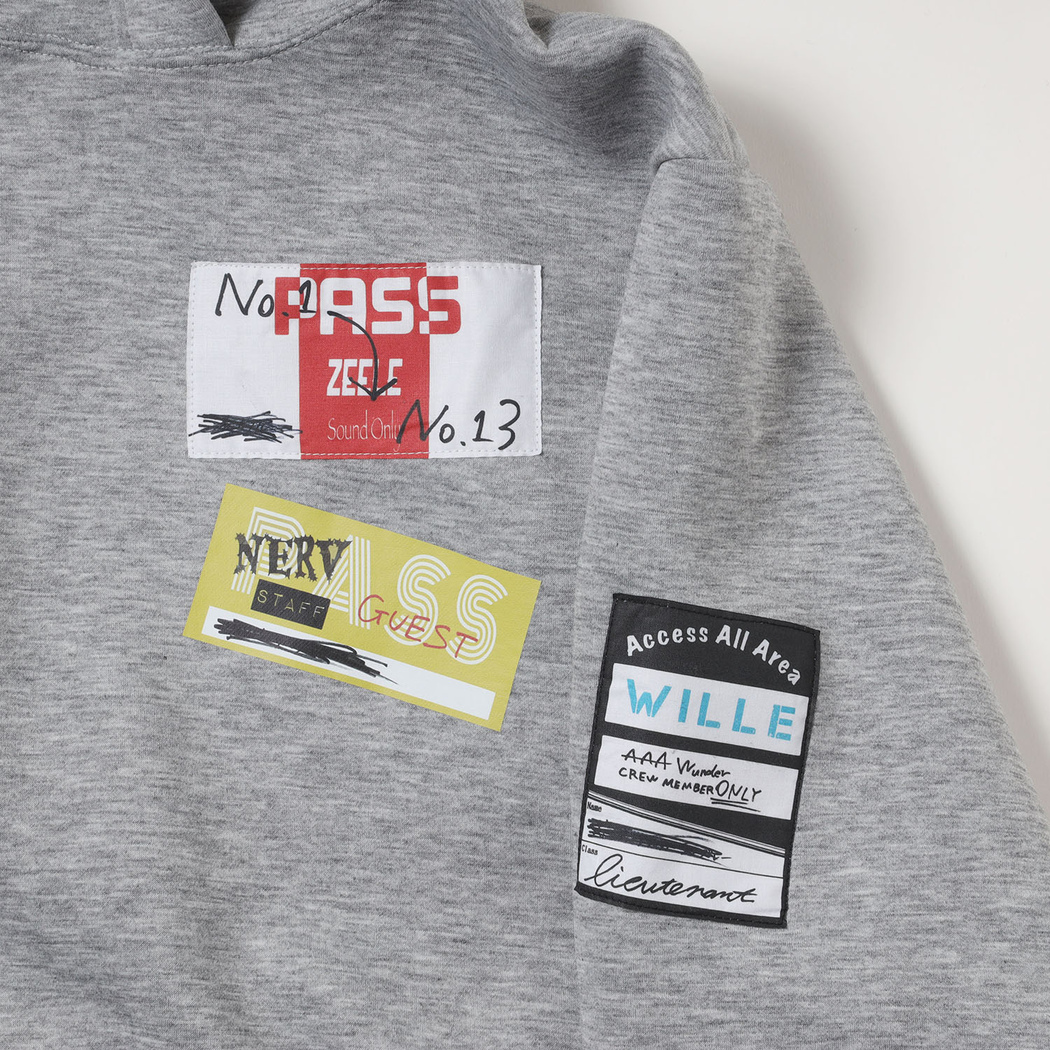 Back Stage Pass Cropped Hoodie (グレー)