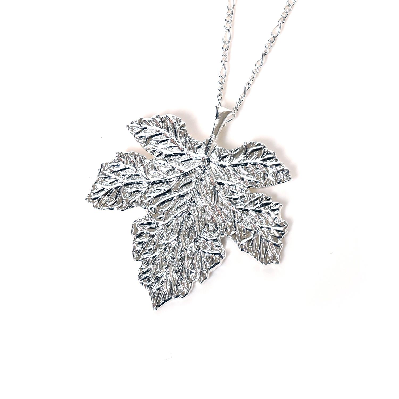 NERV Fig Leaf Necklace by Ayler (SILVER)