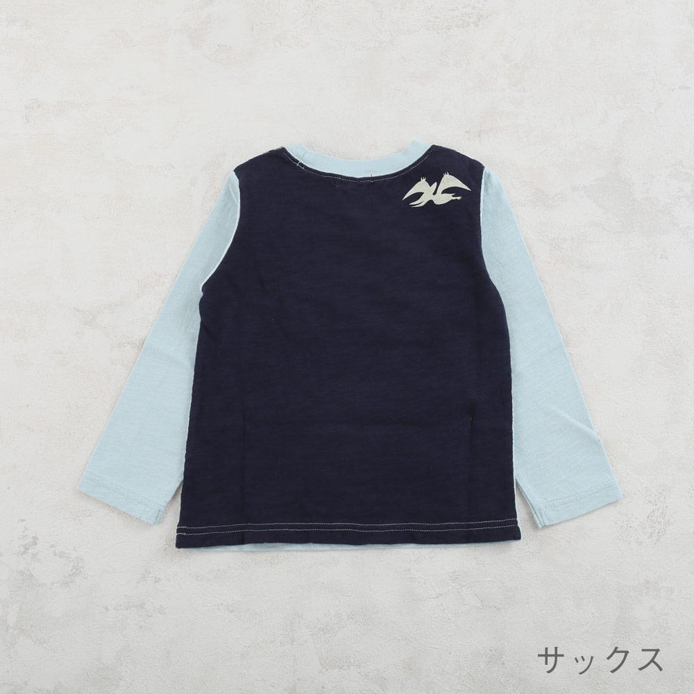 恐竜モチーフTシャツ