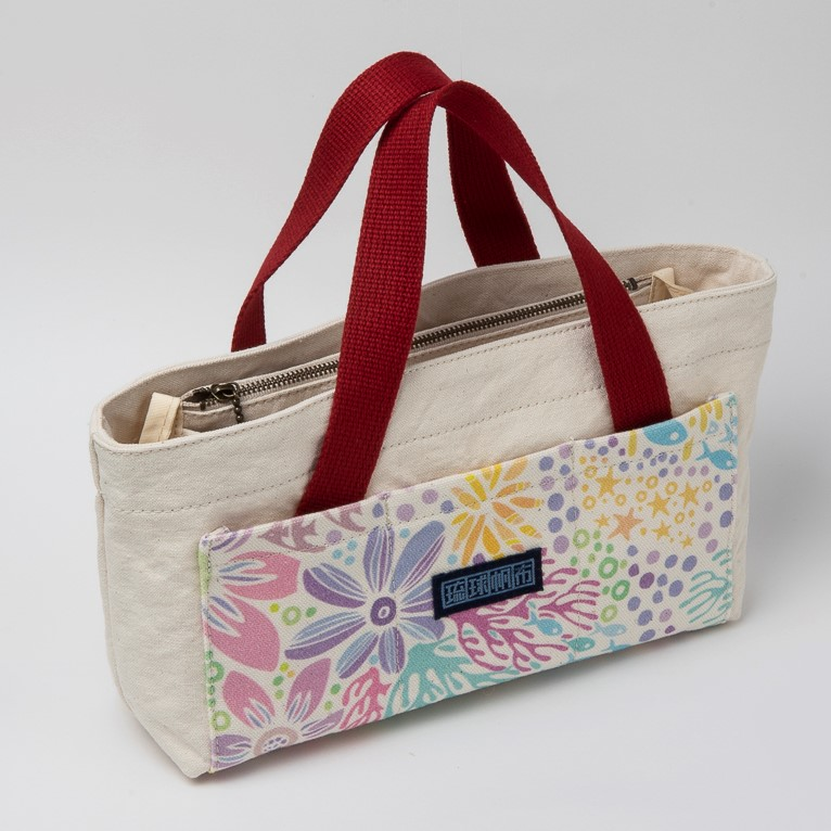ポッケさんのバッグインバッグ/ 珊瑚の花畑