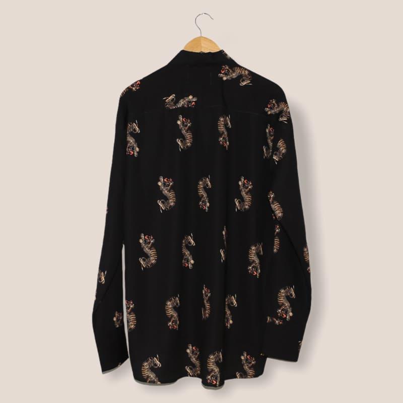 タイガーパターンシャツ
