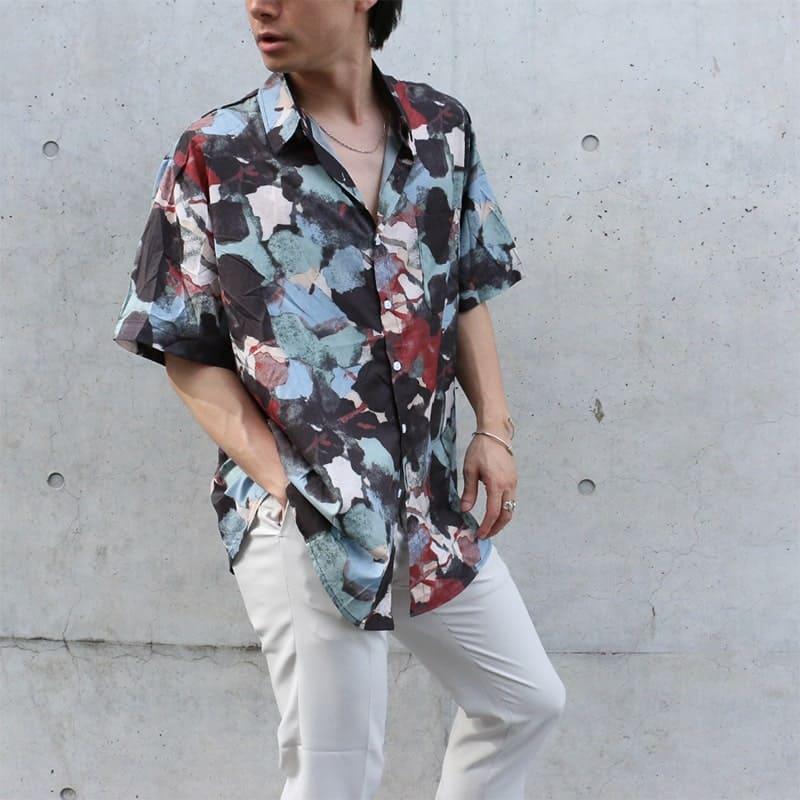 フラワーパターン半袖シャツ