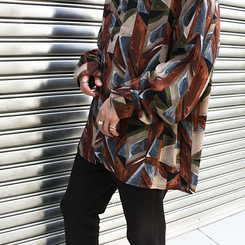彫刻パターン長袖シャツ
