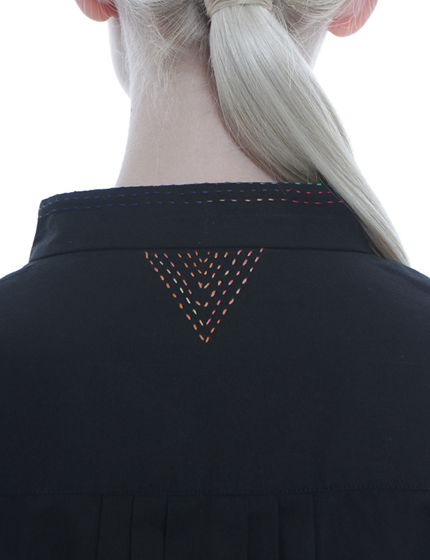 幾何学柄刺し子刺繍 ツイルワンピース(ブラック)
