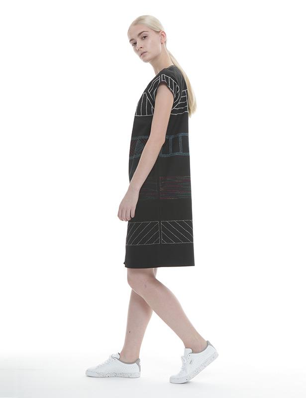 刺し子+メタル刺繍 ツイルワンピース(ブラック)