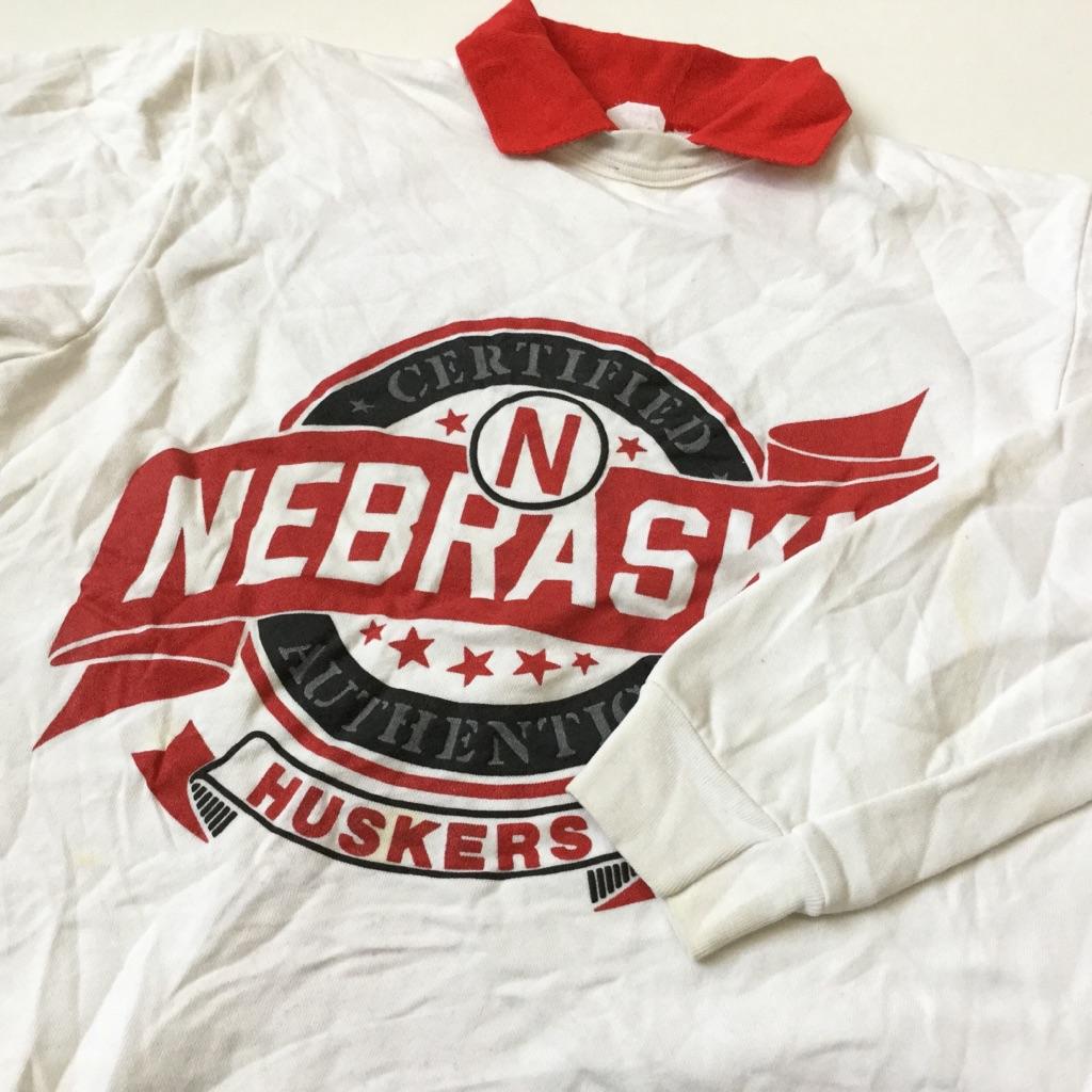 NEBRASKA HUSKERS ネブラスカ ハスカーズ アメリカ直輸入 スウェット トレーナー 送料無料 メンズ L/42-44/白 アメフト フットボール MADE IN USA NFL スポーツ 襟付き レディース ユニセックス 古着卸 業販