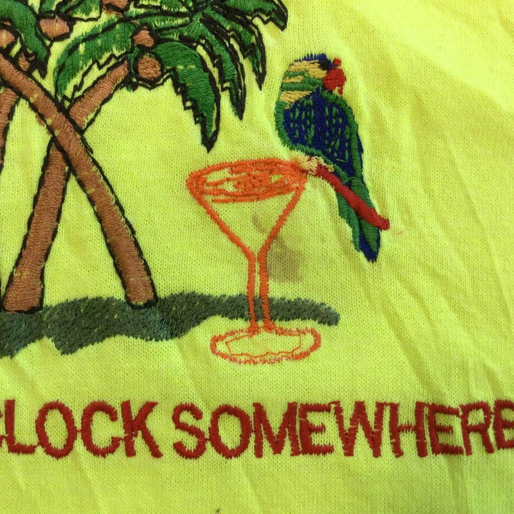 アメリカ輸入 IT'S 5O'CLOCK SOMEWHERE 半袖Tシャツ 送料無料 XL/蛍光黄色 刺繍 リゾート オーム ヤシの木 USA 大きい ビッグ