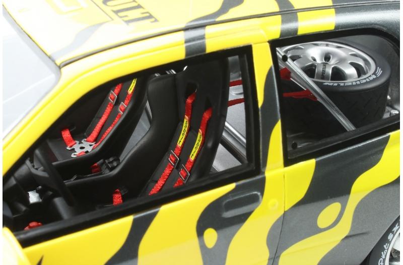 1/18 Renault Clio Maxi Presentation