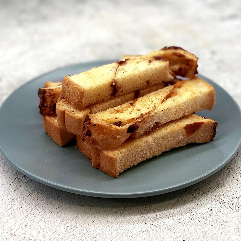 やみつき!チーズ&ベーコンのおつまみラスク