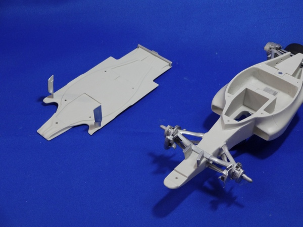 1/20 MP4-27 2012 Early Ver. <br>MONOPOST【Multimedia Kit】