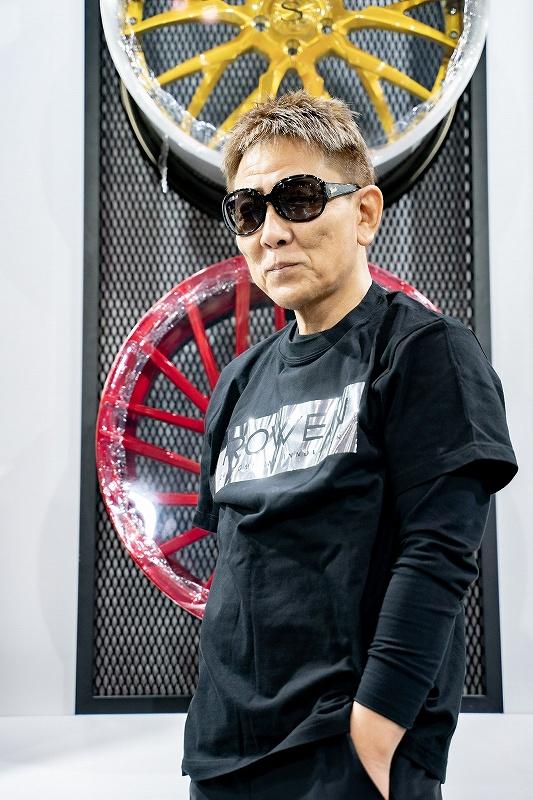 ROWEN シンプルロゴ Tシャツ (ブラック×シルバー箔×ブラックロゴ)