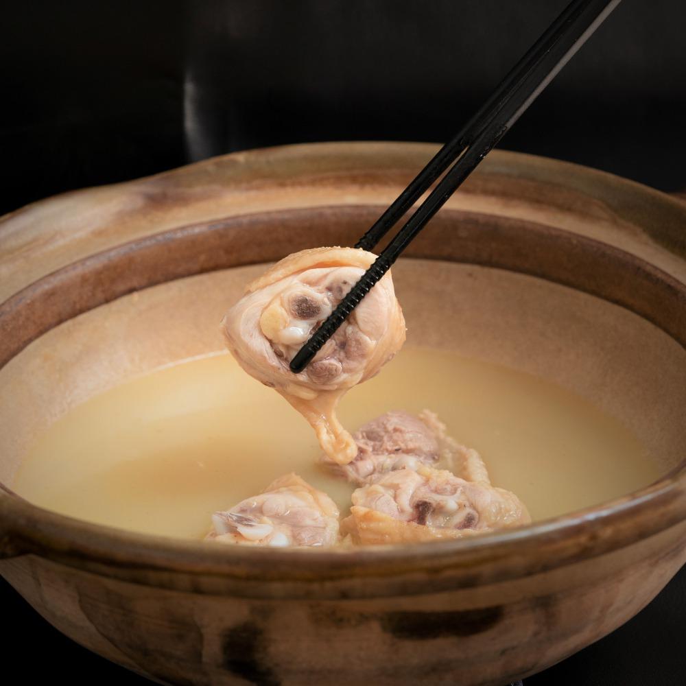 【くまもとの赤認定】鶏ガラ100%の濃厚スープの水炊きセット 3〜4人用