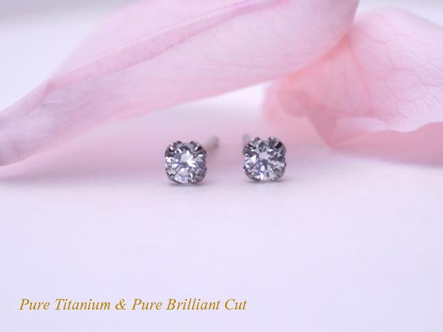 セカンドピアスに最適 チタンピアス CZダイヤモンド3ミリ