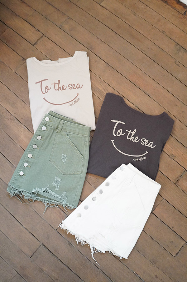 バックスマイルTシャツ To the sea