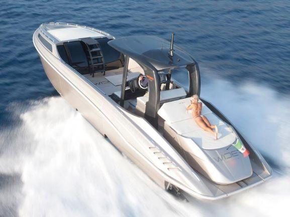 最新情報!!超最先端モデルクルーザー 2014年モデル WIDER 42(輸入艇)国内未入荷モデル!!